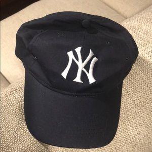 Yankees hat!